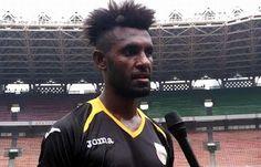 Football is my life: Persib Hentikan Perburuan Yanto Basna