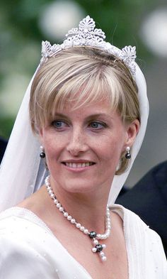 When Britain's Prince Edward married Sophie Rhys-Jones in 1999, royal enthusiasts were surprised she donned a never-before-seen tiara. It turns out the scrollwork-motif diamond band came from the Queen's private collection. Its exact origins have never been confirmed by Buckingham Palace. Photo: © Getty Images