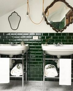 Villa La Madonna Piemonte Green Tiled Hotel Bathroom Pendant Light