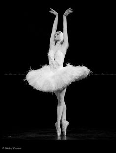 "Irma Nioradze, ""The Dying Swan"", Mariinsky Ballet. #Ballet_beautie #sur_les_pointes * Ballet_beautie, sur_les_pointes *"