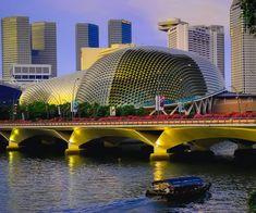 Театр Esplanade — Theatres on the Bay Сингапур Singapore Changi Airport, Singapore City, Visit Singapore, Famous Buildings, Amazing Buildings, Henderson Waves, Singapore Architecture, Outdoor Theater, Singapore