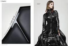 Moda combinada con hermoso mobiliario de #FritzHansen en Harper's Bazaar Interiors. #Space Chair de Jehs+Laub.