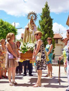 CASTRILLO        DE LA        VEGA: FESTIVIDAD DE LA VIRGEN Y SAN ROQUE. LUMINARIAS.