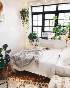 48 Bedroom Decor Fascinating Ideas on a Budget for 2019 Bedroom Decor Fascinating Ideas On A Budget For Boho Bedroom With Plants And Textiles;Bohemian Bedroom Decor And Bedding Design Ideas Bohemian Bedroom Decor, Cozy Bedroom, Bedroom Ideas, Bedroom Inspo, Bedroom Designs, Modern Bedroom, Decor Room, Costal Bedroom, Bohemian Apartment