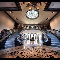 ALWAYS wanted this staircase!