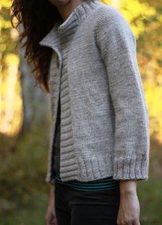 the brown stitch top down knitting pattern concetta cardigan - PIPicStats Knitting Yarn, Free Knitting, Knitting Sweaters, Simple Knitting, Beginner Knitting, Finger Knitting, Knitting Patterns, Crochet Patterns, Stitch Patterns