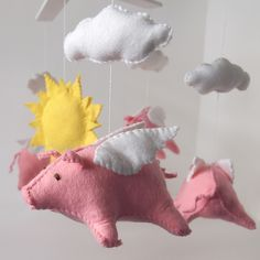 Flying Pig Felt Mobile!