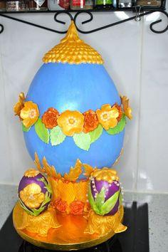 Easter Egg Banana bread at the bottom, chestnut sponge and chestnut buttercream. Easter Egg Cake, Cakes, 3d, Cake Makers, Kuchen, Cake, Pastries, Cookies, Torte