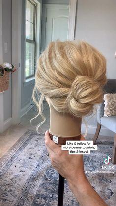 Short Hair Updo Easy, Short Hair Updo Tutorial, Chignon Updo Short Hair, Simple Hair Updos, Fancy Short Hair, Short Hair Tutorials, Wedding Updo Tutorial, Wedding Hairstyles Tutorial, Short Hair Bridesmaid Hairstyles
