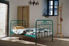Octopus Möbel-Versand Hamburg: Produktdetails: geschmiedetes altes Hotelbett aus Genua