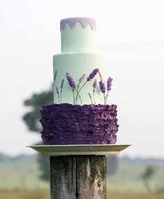 Wedding Cakes Designed with Elegance - MODwedding Gorgeous purple wedding cake idea; Beautiful Wedding Cakes, Gorgeous Cakes, Pretty Cakes, Amazing Cakes, Elegant Wedding, Mint Wedding Cake, Cream Wedding Cakes, Lilac Wedding, Wedding Colors