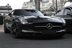 EeE Kurt • affluence-de-la-vie: Mercedes-Benz SLS AMG...
