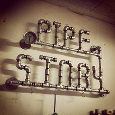 #파이프스토리 #pipestory #파이프인테리어 #pipeinterior 파이프스토리 간판으로 쓸려고 만든건데 좀더 큰 곳으로 이사가면 조명달아서 꼭 써야지...