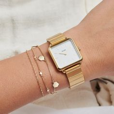 Shop our full range of CLUSE gold watches. Gold Watches Women, Watches For Men, Woman Watches, Popular Watches, Style Androgyne, Accesorios Casual, Beautiful Watches, Square Watch, Classic White