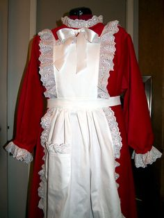 Claus made from red velvet and white cotton apron adorned with lots and lots of ruffled eyelet. Mrs Clause Costume, Mrs Claus Outfit, Mrs Claus Dress, Santa Costume, Christmas Aprons, Christmas Goodies, Christmas Elf, Xmas, Christmas Ideas