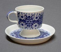 ALI (Arabia) design Kaj Franck, print by Raija Uosikkinen. Coffee Time, Coffee Cups, Vintage Designs, Retro Vintage, Nordic Design, Finland, Basin, Dinnerware, Tea Pots