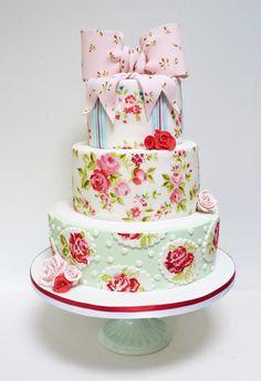 amazing cath kidson style cake