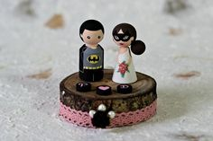 Hey, I found this really awesome Etsy listing at https://www.etsy.com/listing/253445255/batman-personalized-wedding-cake-topper