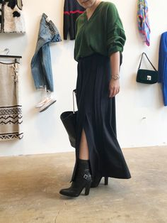 2年前に買ったオーバーサイズのニットとストライプのパンツ、今年はどう着る? | ミモレ編集部のリレー連載 これ、買ってもいいかな? | mi-mollet(ミモレ) | 明日の私は、もっと楽しい Pants, Shoes, Fashion, Trouser Pants, Moda, Zapatos, Shoes Outlet, Fashion Styles, Women Pants