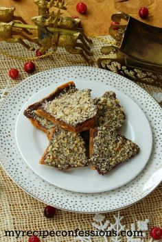Party guests will love munching on this English Toffee recipe that's easy to make, full of sweetness and features delicious Diamond Walnuts. Walnut Recipes, Almond Recipes, My Recipes, English Toffee Recipe, Homemade Candies, Party Guests, Fudge, Sweet Treats, Candy