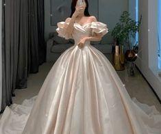 Fancy Wedding Dresses, Fancy Gowns, Princess Wedding Dresses, Ball Gown Dresses, Prom Dresses, Princess Ball Gowns, Fairytale Dress, Quince Dresses, Looks Chic