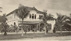 Restaurant De Boer in Medan, Sumatra, Indonesië Retro Pictures, Retro Pics, Dutch East Indies, Dutch Colonial, Medan, Old City, Asia, House Styles, Indian
