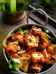 restaurant style kadai paneer - Indian Cheese with chilies, peppers, ginger...  @veg recipes of India.  I love this blog.