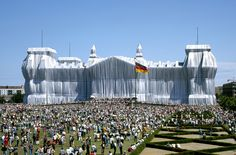 The Wrapped Reichstag by Christo and Jeanne-Claude (Berlin)     Via: donaldeubank.wordpress.com
