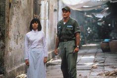 Good Morning Vietnam Adrian Cronauer | Good Morning, Vietnam - Adrian Cronauer (Robin Williams, r.) verliebt ...