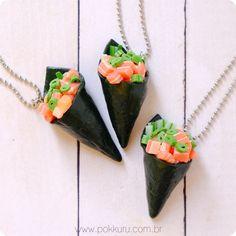 colar temaki sushi - moda japonesa, kawaii, salmão, bijuteria divertida, bijoux diferente, lolita, moda infantil, liberdade,