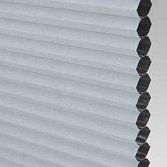 Abdunkelnde Wabenplissees nach Maß - DUETTE® Montage, Blinds, Curtains, Home Decor, Wood Windows, Shades Blinds, Room Darkening, Decoration Home, Room Decor