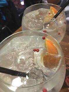 Cheers FODMAPers! If you are searching for a festive drink for you or your friends following the low FODMAP diet, I have got you covered. Here is a delightful gin and tonic that Russ and I enjoyed …