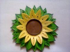 Koszyki z wikliny papierowej ozdabiane różnymi metodami, quilling, decupage, kwiaty z bibuły czy krepy, jednym słowem rękodzieło