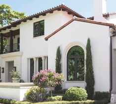 Spanish style homes – Mediterranean Home Decor Spanish Exterior, Mediterranean Homes Exterior, Spanish Colonial Homes, Spanish Style Homes, Mediterranean Home Decor, Spanish House, Spanish Revival, Italian Homes Exterior, Style At Home