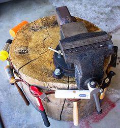 Metalsmith stump and