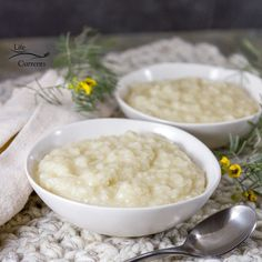 Easy Rice Pudding tutorial I always make additional rice for leftovers. Leftover rice is great for tomorrow's lunch or as a side dish for the next dinner. Or, most importantly, for rice pudding! Cooked Rice Recipes, Leftover Rice Recipes, Easy Rice Pudding, Dessert Recipes, Desserts, Side Dishes, Lunch, Dinner, Cooking