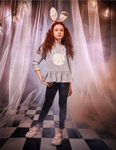 Magic RABBIT! Comenta un sinfín de 🎃🐰🥕 si amas disfrazarte en Halloween.  #FantasyWorld #HalloweenSTUDIOF  #GirlBySTUDIOF   Accesorio Ref. K210157 Buzo Ref. K260090 Leggings Ref. K250053A Calzado Ref. K350041 Fantasy World, Jeans, Harajuku, Leggings, Halloween, Style, Fashion, Vestidos, Footwear