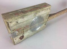 Cigar Box Guitar, Guitar Building, Guitar Art, Ukulele, Musical Instruments, Guitars, Blues, Homemade, Play