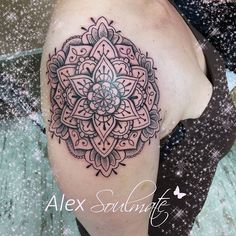 Little girlstuff on her shoulder  #tattoo #aachencity #aachen #alexsoulmate #withlove #soulmatetattoo #girlstattoo #inkedgirls #girl #girlstuff #germantattooers #linework #tatts #mandala #mandalatattoo #equilaterra #artist #love #lovemyjob #tattoodesign #instagood #instagram #tattoostars #tattooart #amazingtattoo #beauty #flowers #ink #amazing #worldpeace