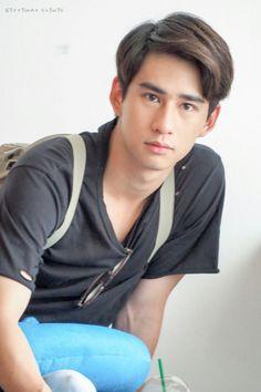 Toey Asian Man Haircut, Asian Men, Asian Guys, Actors, Haircuts For Men, Cute Guys, Bangs, Hair Cuts, Handsome