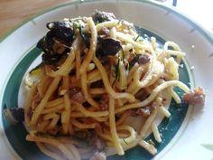 Espaguetis con calabacín y carne - Pasta Troccoli con zucchine e salsiccie - Zucchini and sausage pasta
