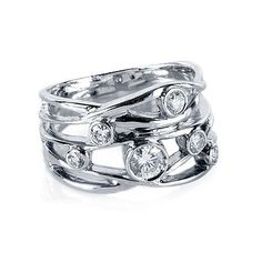 Diamond Right-Hand Ring Wide Open Bezel in 18kt White Gold