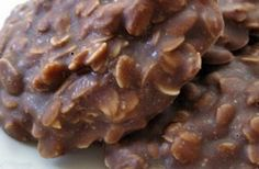 SHAKEOLOGY NO-BAKE COOKIES 1 cup natural peanut butter 1 cup quick-cook oatmeal cup honey or agave nectar 1 cup Chocolate Shakeology powder PREPARATION: First remove any rings youre wearing and wash your hands really well. Then combine ingredients i Köstliche Desserts, Delicious Desserts, Yummy Food, Tasty, Fun Food, Delicious Cookies, Delicious Chocolate, Chocolate Recipes, Health Desserts