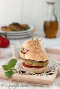 Burger senza carne vegetariano Hamburger di verdura ricetta secondo panino facile gustoso ricetta per bambini facile veloce foto video tutorial Statusmamma gialloblogs