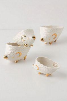 hedgehog measuring cups! So cute!