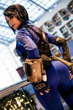 [cosplay]Jenna Lynn meowri as Vault girl Fallout Cosplay, Marvel Cosplay, Amazing Cosplay, Best Cosplay, Jenna Lynn, Fallout Art, Fallout Posters, Battle Royale, Cosplay Girls