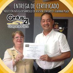 """El Lcdo.Frank Córdoba recibe certificado """"Inducción Básica Desarrollo de Asesor #Century21 Guayana Plaza"""" Seguimos creciendo!  #BienesRaíces  #inmuebles  #Guayana  #pzo  #realtor  #realtorlifestyle"""