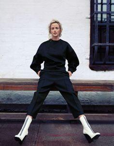 Vogue Korea Issue: November 2012 Title: Urban Renewal Model: Carolyn Murphy Photography: Cass Bird