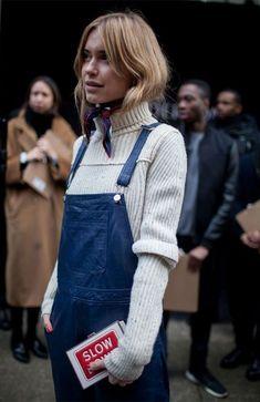 it girl - macacao-lenco-gola-alta - tricot - inverno - street style Look Fashion, Street Fashion, Fashion News, Fashion Trends, Net Fashion, Fall Fashion, Fashion Guide, Milan Fashion, Denim Fashion