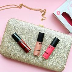 """Lippies Pocket Set """" by @bronx_colors !🍒mine from @cocopanda_sverige ! It comes with 3 super cute mini lipglosses 💄💋😘❤️ find this pocket set on👉: """"www.cocopanda.se """"  #everythingbrightandshinny #makeuplover #makeupaddict #mua #makeup #makeupjunkie #cocopanda #lipgloss #lips #läppglans #smink #kosmetik #sweden#sverige #new #lippies #pink#girl#girly #samarbete #skönhet #cruletyfree #happy #beautiful #beauty #bronx #colors #colorful #red#nude"""